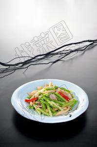 芦笋白玉炒虾球 - 找菜图