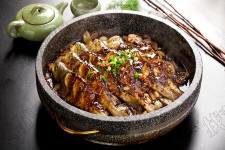 石锅黄花鱼 - 找菜图