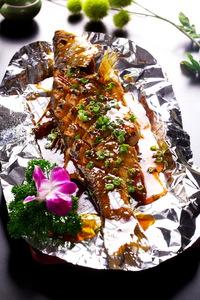 锡纸鲈鱼 - 找菜图