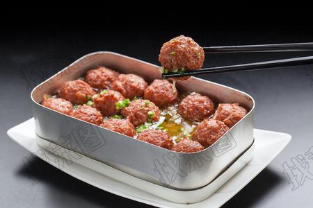 饭盒蒸丸子 - 找菜图