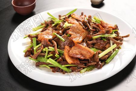 黄蘑炒蒜苗 - 找菜图