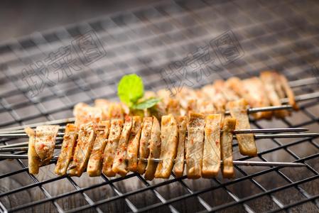 烤手撕板筋 - 找菜图