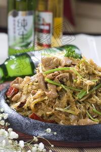铁板酸菜肥肠 - 找菜图