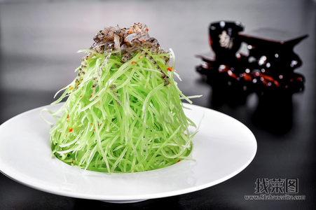 青笋拌鱼皮 - 找菜图