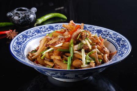 鱿鱼蒜台烧面筋 - 找菜图