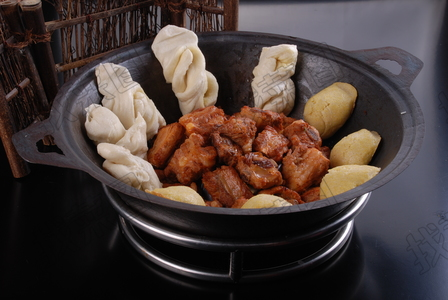 干锅排骨锅 - 找菜图