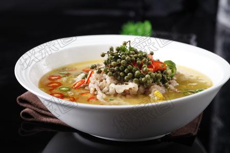 金菇酸汤肥牛 - 找菜图