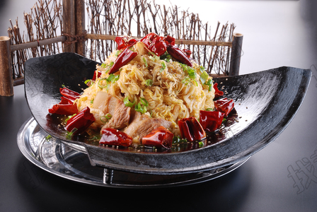 锅叉酸菜 - 找菜图