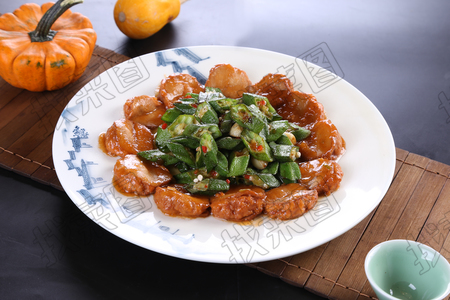 杏鲍菇烧秋葵 - 找菜图