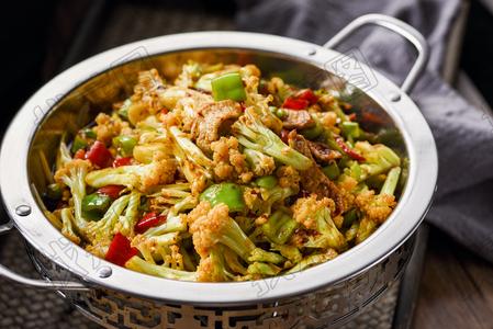 干锅有机花菜 - 找菜图
