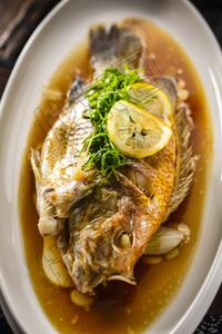 清蒸海红鱼 - 找菜图
