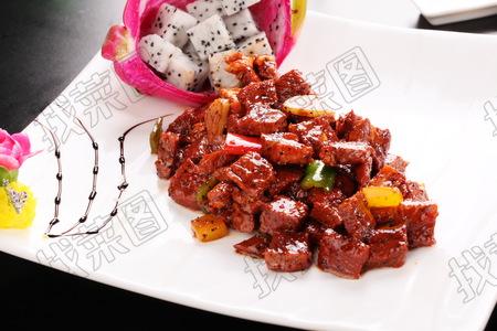 火龙果焗雪花牛肉 - 找菜图