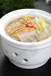 浓汤白菜炖烧肉 - 找菜图