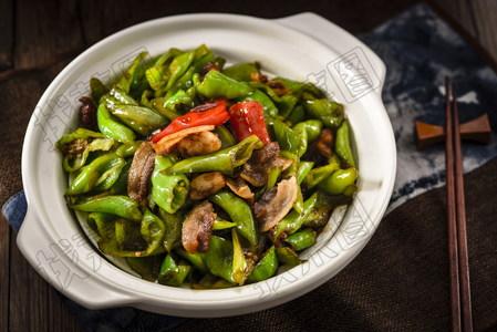 下饭擂椒炒肉 - 找菜图