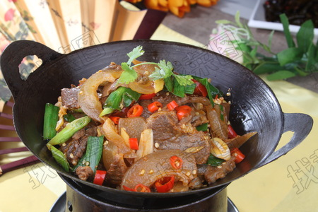干锅带皮牛肉 - 找菜图