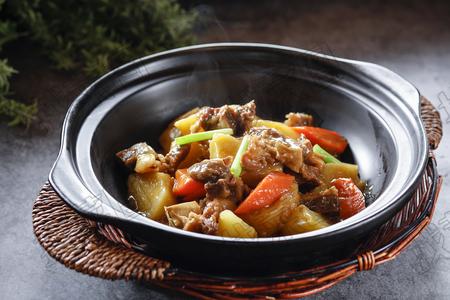 土豆炖牛肉 - 找菜图