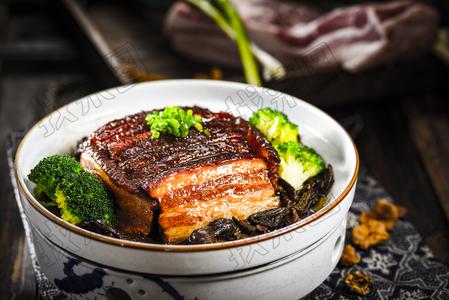 黄蘑扣肉 - 找菜图